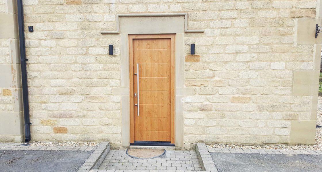 Hormann Thermo65 Steel Front Door in Winchester Oak 015